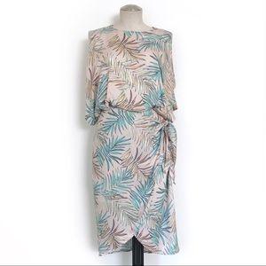 Lulu's Keyhole Back Palm Leaf Pattern Dress Size M